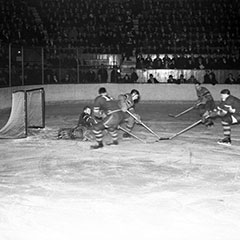 Hockey game between the Toronto Maple Leafs and the Montréal Canadiens on March 6th, 1938