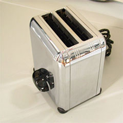 Electric toaster manufactured by Canadian Westinghouse Co. Limited.